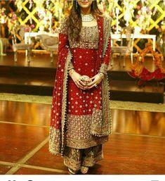 No automatic alt text available. Pakistani Formal Dresses, Shadi Dresses, Pakistani Outfits, Indian Dresses, Women's Dresses, Designer Party Wear Dresses, Kurti Designs Party Wear, Dress Designs, Indian Bridal Outfits