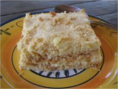 Quick and simple recipe for traditional South African Pineapple Fridge Tart – enjoy! Ingredients 2 Packets Tennis biscuits (coconut biscuits) 1 Tin Crushed pineapple (or pineapple pieces) 1 Tin Ideal … South African Desserts, South African Dishes, South African Recipes, Africa Recipes, Ethnic Recipes, Tart Recipes, Sweet Recipes, Baking Recipes, Dessert Recipes