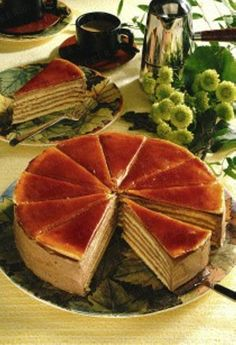 Dobostorte Rezept - reminds me of my mom's dobos Hungarian Cuisine, Hungarian Recipes, Baking Recipes, Cake Recipes, Dessert Recipes, Desserts, Muffin Recipes, Hungarian Cake, Specialty Cakes