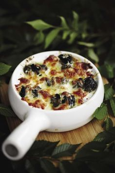 Escargot Recipe, Quebec, Appetizer Recipes, Appetizers, Mets, French Food, Fine Dining, Oysters, Entrees