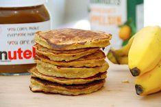Bananpandekager - sund og nem opskrift med havregryn og banan Recipe Box, Pancakes, Recipies, Baking, Breakfast, Desserts, Food, Smoothies, Drinks