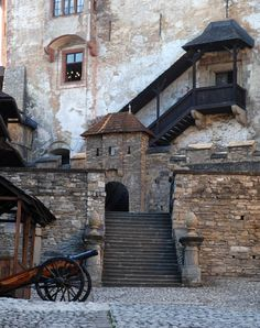 Orava Castle, Slovakia. www.haisitu.ro Outside Living, Medieval Castle, Central Europe, Bratislava, Slovenia, History, Architecture, City, Perfectly Imperfect