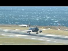 Extreme landings at Wellington International Airport in New Zealand