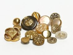 "mix of 16 vintage buttons van ""Groovy Sensations""  by Ella-Osix op DaWanda.com"