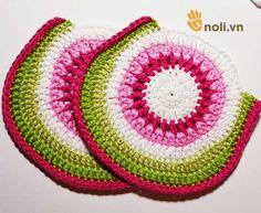 Chart móc túi dâu tây ngọt ngào đốn tim chị em chúng mình Crochet Pouch, Crochet Baby, Hello Kitty Crochet, Crochet Handbags, Baby Sweaters, Crochet Clothes, Charts, Projects To Try, Purses