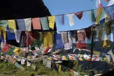 Bhutan Gruppenreisen - Hier können Sie geführte Kleingruppenreisen Bhutan mit deutscher Reiseleitung beim Spezialisten für nachhaltig Reisen günstig buchen.