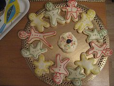Fun way to make a Family Party! Cute Family Cookies!