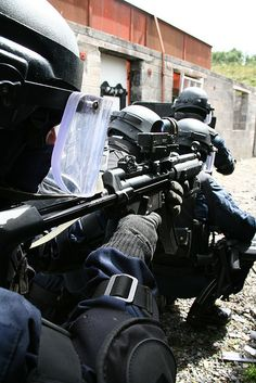 #RSU #Ireland #Gun