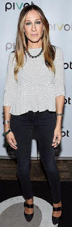 """Sarah Jessica Parker: Necklace – Riviére""""  Jeans – 3X1"""