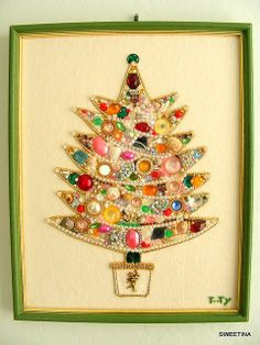 Fun Vintage Bling Tree on Felt, love this made out of old jewelry, I have to make this...