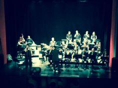Más de 250 personas asistieron al concierto que ofreció la Bibap en el Teatro Serrano de Segorbe el miércoles por la noche con la interpretación de bandas sonoras del cine. Concierto al que también asistió el alcalde de Segorbe, Rafael Calvo, acompañado del Concejal de Cultura, Francisco Tortajada