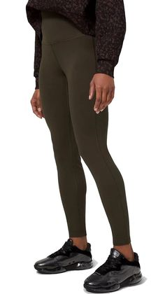 Cozy looking, these fleece lined leggings Lululemon option has miro modal fleece, so it's uber soft, yet doesn't retain moisture and won't make you shiver as you sweat. These are also quite a high rise, so it keeps the belly insulated as well. Click through to see more options and tell us which one do you prefer! #TravelFashionGirl #TravelFashion #TravelLeggings #travelpants #leggings #fleeceleggings Warm Leggings, Fleece Leggings, Winter Leggings, Running Leggings, Best Leggings, Women's Leggings, Tights, Best Travel Pants