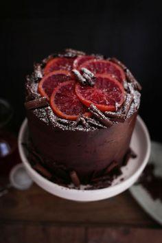 Meine Lieblingsfrüchte im Winter sind Blutorangen.   Und damit habe ich die letzten Tage auch so einiges gebacken :-).   Vorallem die...