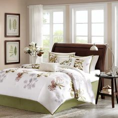 Harbor House Eternity 4-Piece Comforter Set, King, Multi Harbor House,http://www.amazon.com/dp/B00DU8ZI74/ref=cm_sw_r_pi_dp_Jfm4sb05XE9VTV8D