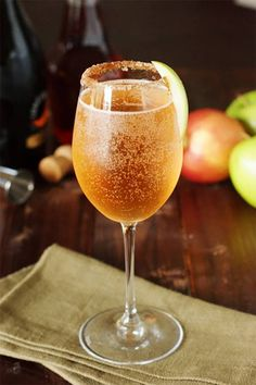 10 More Of The Very Best Winter Cocktails. Sparkling Apple Pie Cocktail from The Kitchen Is My Playground. Winter Cocktails, Thanksgiving Cocktails, Fall Drinks, Holiday Drinks, Cocktail Drinks, Cocktail Recipes, Alcoholic Drinks, Drink Recipes, Beverages