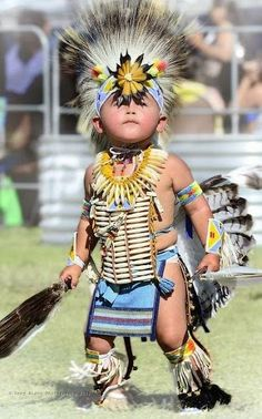 Young Native American dancer in full dress, taken at the Julyamsh Pow Wow in Post Falls, ID, which is put on by the Coeur d'Alene Indian Tribe. Native American Children, Native American Beauty, Native American History, American Indians, American Symbols, American Women, Native Child, American Baby, Beautiful Children