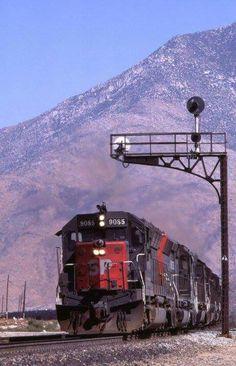 SP Via Rail, Union Pacific Railroad, Abandoned Train, Bonde, Old Trains, Ferrat, Rolling Stock, Train Journey, Diesel Locomotive