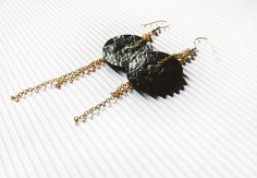 Orecchini neri e dorati, Gioielli di carta, orecchini pendenti, orecchini minimalisti, orecchini a disco, orecchini moderni by AlfieriJewelDesign on Etsy