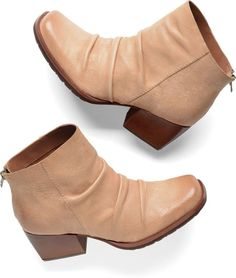 KORK EASE SHOES KISSEL ANKLE BOOTS RUCHED LEATHER BOOTIES BACK ZIP TAN 7 $200  #KorkEase #AnkleBoots #Casual