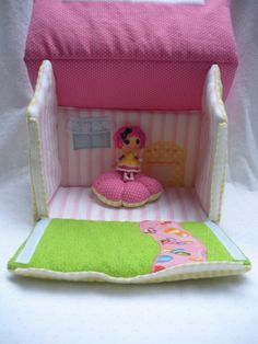Mini Lalaloopsy fabric doll house, Crumbs Sugar Cookie inspired