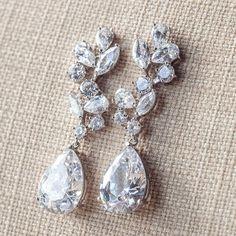 long-bridal-earrings-crystal-drop-earrings-diamante-bridal-earrings-silver-wedding-jewelry-teardrop-wedding-earrings-cz-bridal-earrings.jpg (570×570)