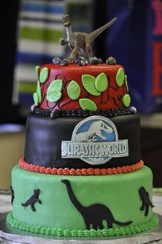 Torta de dinosaurios de jurassic world #torta #pastel #dinosaurio #fiesta #cumpleaños