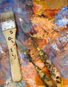 Learn to paint with a palette knife. A painter's palette with knives and brush - Shanna Baker/Photographer's Choice RF/Getty Images Painting Lessons, Painting Tips, Art Lessons, Painting & Drawing, Painting Styles, Painting Classes, Painting Canvas, Art And Illustration, Knife Art