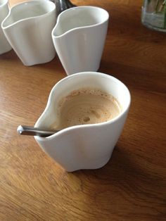 Earless Mug - it doesn't poke the user in the face when drinking and eliminates the need for a saucer Designer: Lars Kloen
