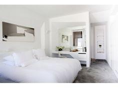 The Deluxe Room at Grace Santorini. Santorini Boutique Hotels, Santorini Accommodation, Mediterranean Houses, Santorini Caldera, Santorini Travel, Santorini Greece, Hotel Style Bedding, Hotel Bedrooms, Bed Rooms