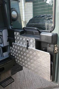 New Land Rover Campers Interior Dreams 68 Ideas Landrover Defender, Land Rover Defender Camping, Land Rover Defender Interior, Landrover Camper, Defender Camper, Defender 90, Teardrop Camper Interior, Vintage Campers For Sale, New Land Rover