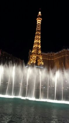 First Las Vegas trip. Love this fountain!!!