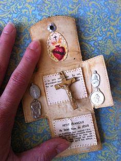 Vintage Catholic French Pocket Shrine Oratory Religious Medal Crucifix
