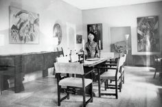 Peggy Guggenheim Venice The dining room Venice House, Peggy Guggenheim, Interior And Exterior, Interior Design, Dining Room Inspiration, Living Room Art, Dining Table, Dining Rooms, Furniture