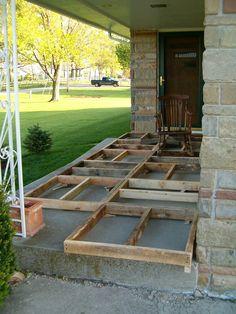 www.goodshomedesign.com diy-pallet-wood-front-porch