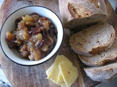 Green Gourmet Giraffe: Pear and Walnut Chutney