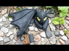 ▶ Toothless Night Fury Dragon Charm Polymer Clay Tutorial by NerdECrafter