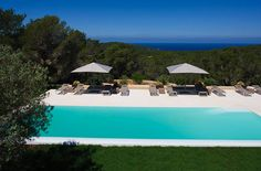 #Jetsettercurator  I wish i had a view and pool like this