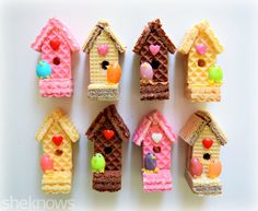 birdhouses with adorable jelly bean birdies are almost too cute to eat edible sugar wafer bird housesedible sugar wafer bird houses Edible Crafts, Food Crafts, Edible Art, Food Art For Kids, Cooking With Kids, Easy Cooking, Healthy Cooking, Cooking Tips, Healthy Snacks