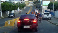 9/2/2012 hrs 17:52 - O KGB (serviço secreto russo) chegar em Serra Talhada completa com escolta policial!     9/2/2012 17:52 hrs - The KGB (Russian Secret service) arrive in Serra Talhada complete with police escort!