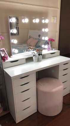 27 Elegant Hollywood Vanity Mirror Set Makeup Vanity Decor