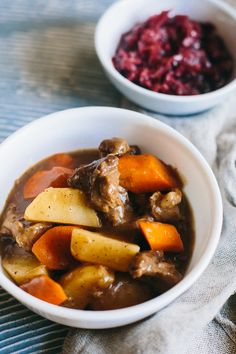 Scouse is a form of stew popular in Northern Europe. The English word scouse is a shortened form of lobscouse, taken from similar words like the Norwegian lapskaus, Swedish lapskojs, and Danish lab… Lamb Recipes, Healthy Recipes, Fodmap Recipes, Healthy Meals, Yummy Recipes, Soup Recipes, Dinner Recipes, Medieval Recipes, Kitchens