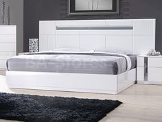 Palermo Platform Bed in White Lacquer by J&M