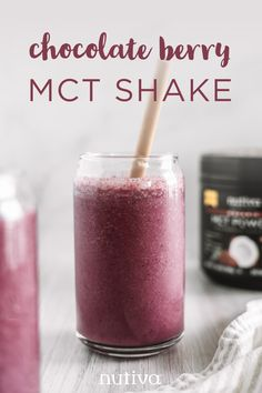 Looking for a quick, easy, and energizing recipe to make using our Organic Chocolate MCT powder? This Chocolate Berry MCT Shake will give you the healthy fats, fiber, and nutrients you need. Fruit Smoothie Recipes, Fruit Drinks, Smoothie Drinks, Healthy Smoothies, Healthy Fats, Yummy Drinks, Healthy Drinks, Alcoholic Drinks, Beverages