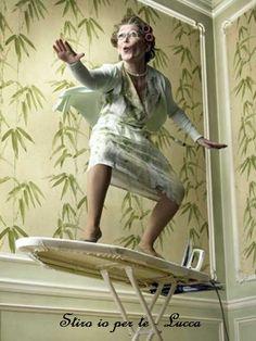 Fanne un diverso uso... Usa la tua tavola da stiro, come tavola da surf... a stirare ci penso io ... 3405979407