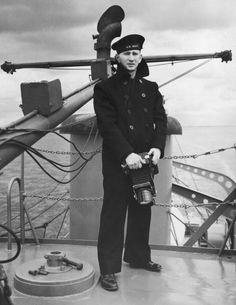Photographer's mate, US Navy Vintage Sailor, Vintage Men, Vintage Nautical, Navy Chief, Merchant Marine, Navy Sailor, Navy Coat, Navy Military, Men In Uniform