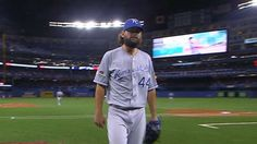 ALCS Gm4: Hochevar pitches 1 1/3 innings to earn win