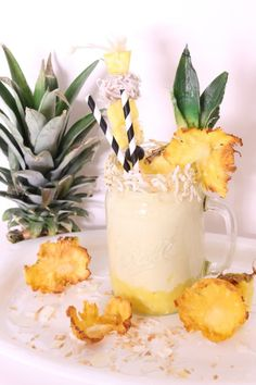 Tropical Pina Colada Smoothie - Powered by @ultimaterecipe www.perfectlywhimsical.com