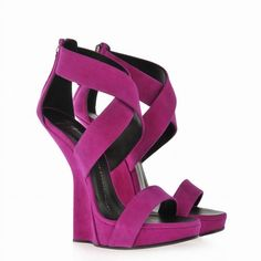 Giuseppe Zanotti Designer Concave wedge Sandals Purple ❤ liked on Polyvore featuring shoes, sandals, purple sandals, wedge sole shoes, giuseppe zanotti, wedge heel sandals and purple shoes