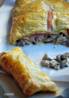 holjaldre_setas by baballa, via Flickr Quiches, Omelettes, Venezuelan Food, Tacos And Burritos, Puff Pastry Recipes, Bread And Pastries, Easy Salad Recipes, Food Inspiration, Food To Make