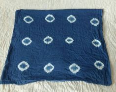 Shibori Fabric, Shibori Tie Dye, Blue Tie Dye, Tie Dyed, Blue Cushions, Blue Blanket, Indigo Dye, Fabric Design, Cotton Fabric